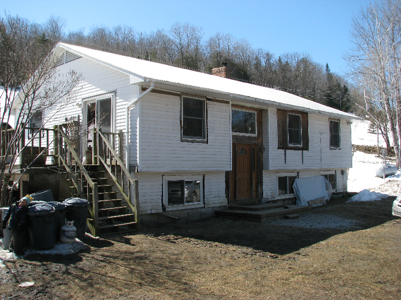 28 x 45 Raised Ranch House Built in 1978 - Recently Renovated